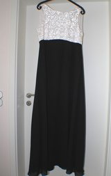 Evening Dress, Black & White, Size 14 in Spangdahlem, Germany